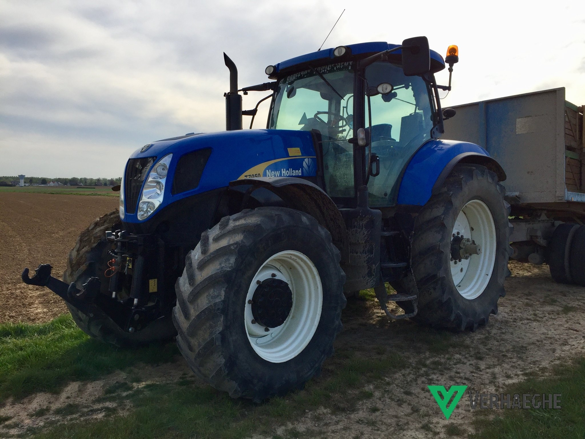 Tracteur agricole New Holland T7050 PC - 1