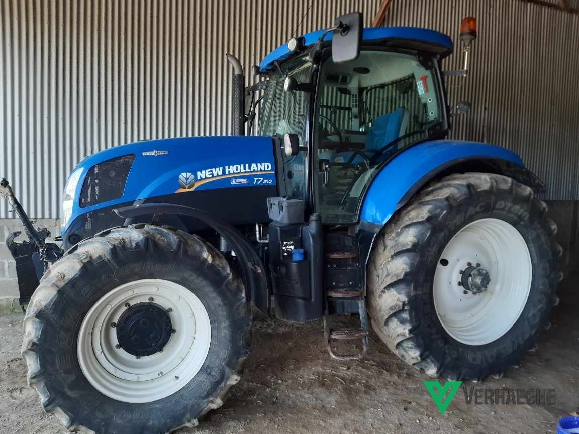 Tracteur agricole New Holland T7 210 AC - 1