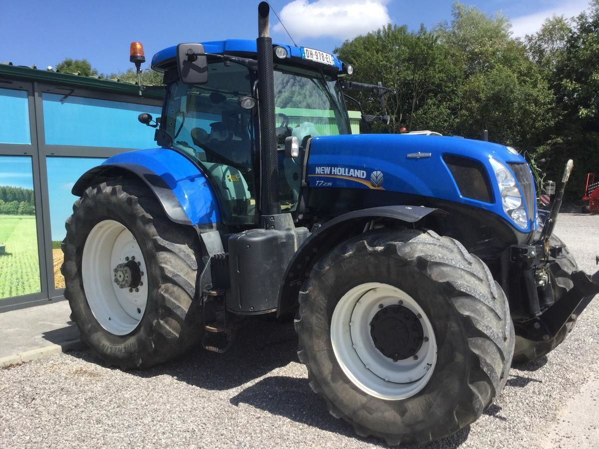Tracteur agricole New Holland T7 235 - 1