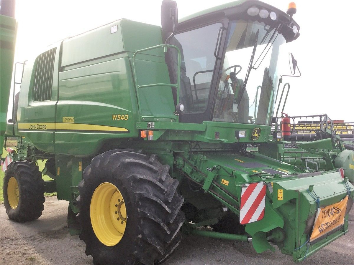 Moissonneuse batteuse John Deere W540 - 1