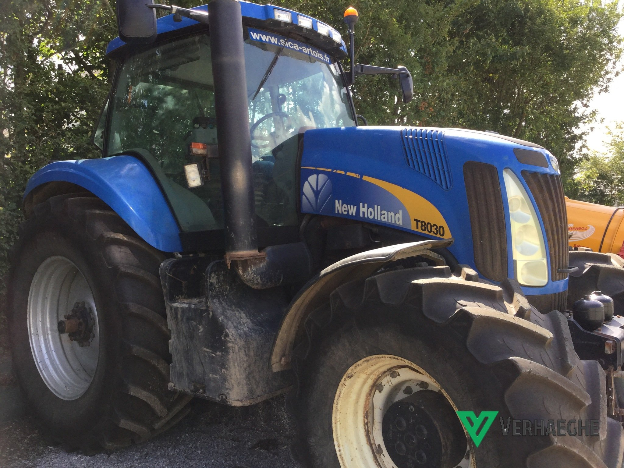 Tracteur agricole New Holland T8030 - 1